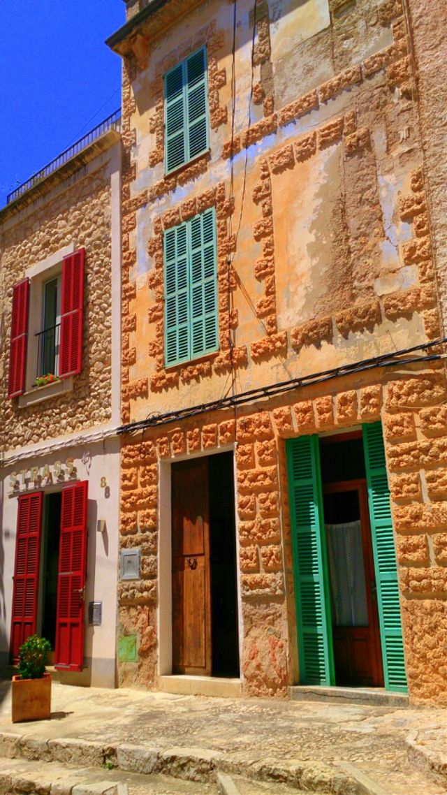 colorful houses pictures